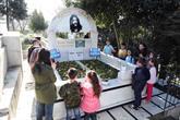Bilgi Evleri Çocukları 'Barış Abi'lerini Unutmadı