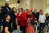 Engelliler, Gambiya Cumhurbaşkanı'nın Eşine Ok Atmayı Öğretti