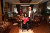 Akdeniz Oyunları Şampiyonu Zübeyde Süpürgeci Başkan Çağırıcı'yı Ziyaret Etti