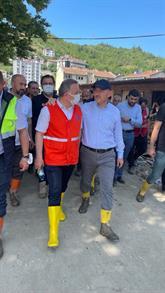 İçişleri Bakanı Soylu ile Lokman Çağırıcı afet bölgesi Bozkurt'ta