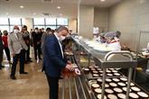 Kamu Çalışanlarının Yemekleri Liseli Öğrencilerden